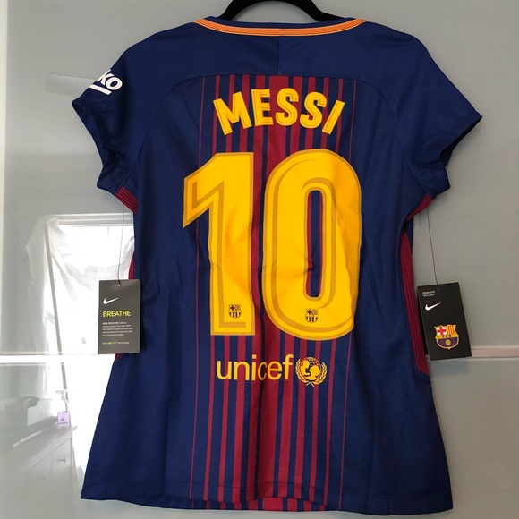 new arrivals fc257 9b6ac Nike Barcelona Messi Jersey 2017-2018 — Women's M NWT